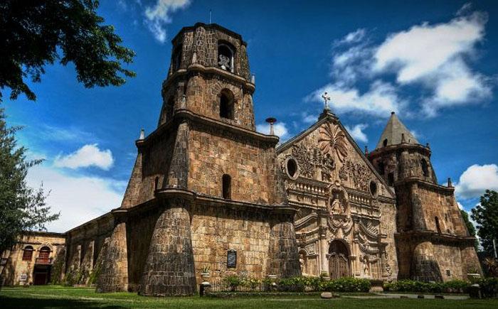 Храмы в стиле барокко на Филиппинах