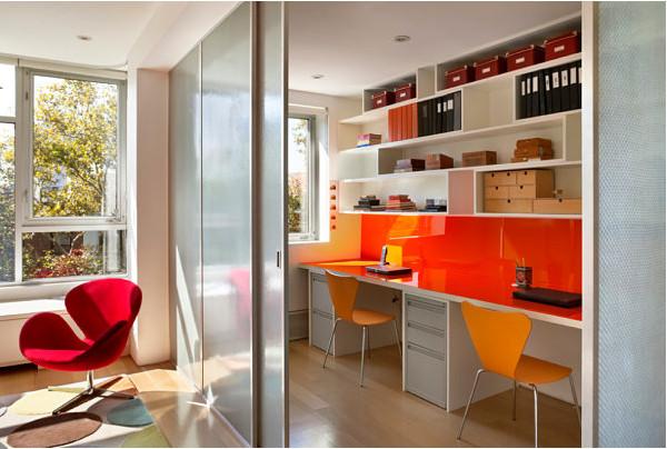 Яркий домашний офис - отличный отвлекающий манёвр