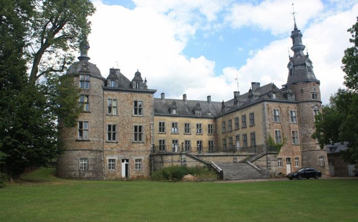 Замок на продажу в Бельгии