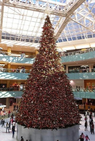 Рождественская елка в галерее Даллас (Техас)
