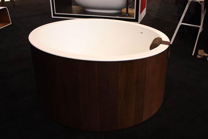 Деревянная ванна от Graff