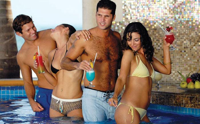 Отдых для 21+: самые лучшие курорты для взрослых