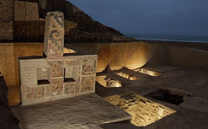 Пирамида Уака Эль-Брухо