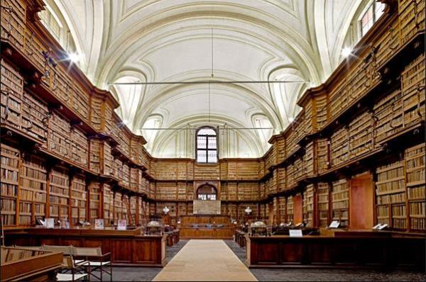 Библиотека Анжелика в Риме, Италия