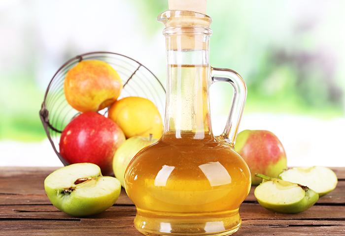 10 самых неожиданных способов использования яблочного уксуса в быту