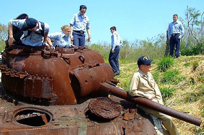 Заброшенная противовоздушная артиллеристская батарея на острове Иводзима (Япония)