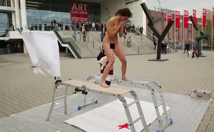Мило Муар – боди-арт
