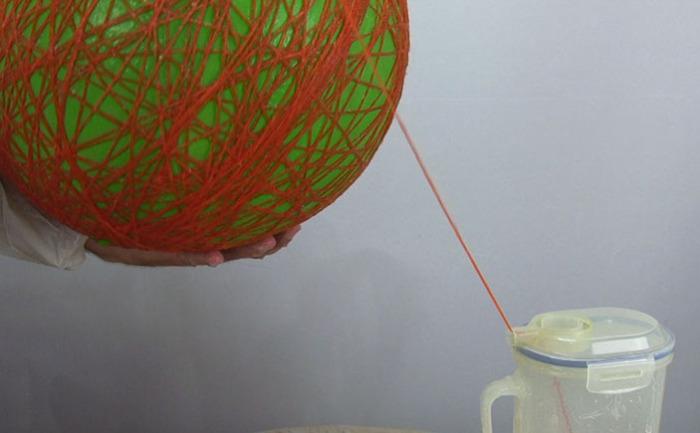 Обматываем произвольно шарик