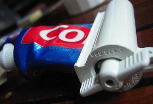 Роллер для тубика с зубной пастой