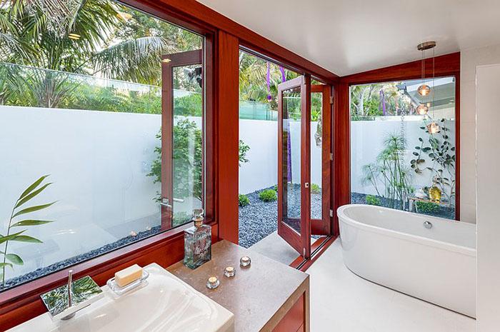 Вид из ванной