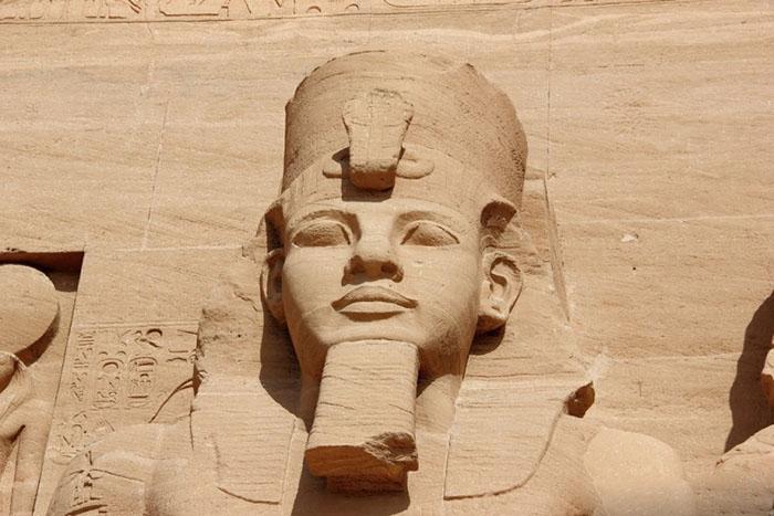 Накладка у фараона