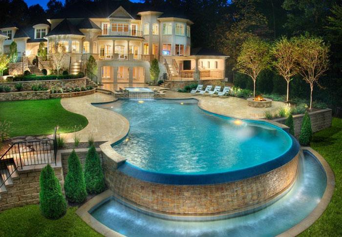 Роскошный эклектичный бассейн
