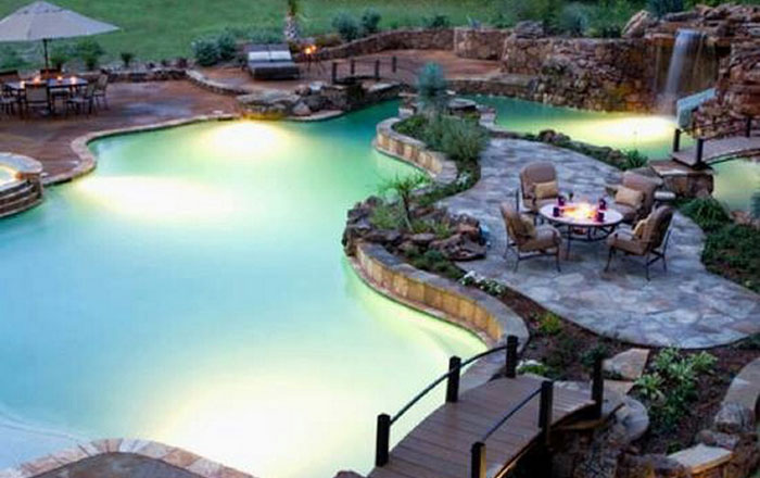 Невероятно красивый бассейн