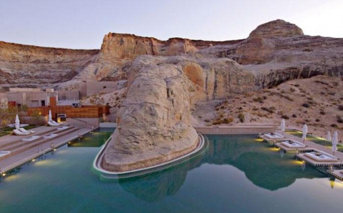 Бассейн на роскошном курорте в Гранд Каньоне