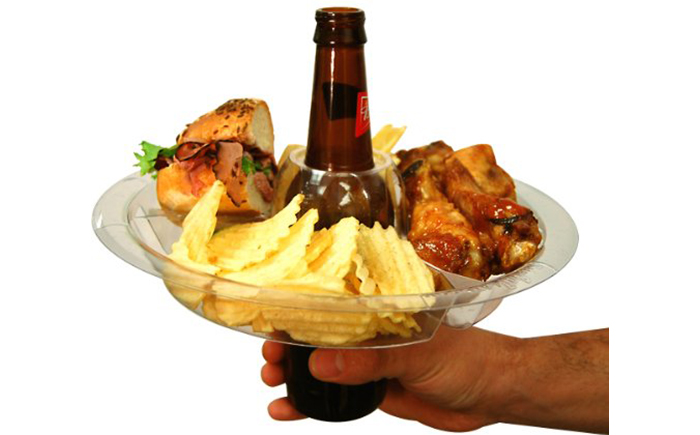Набор из 21 тарелки с отверстием для пива