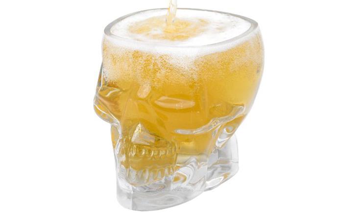 Пивной бокал в пиратском стиле