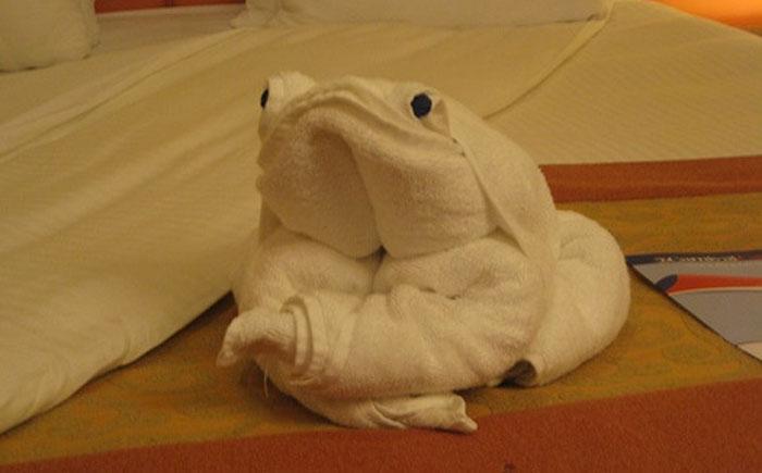 Жаба из полотенца