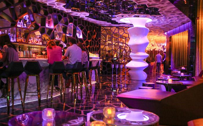 Бар Ozone, отель Ritz Carlton, Гонконг