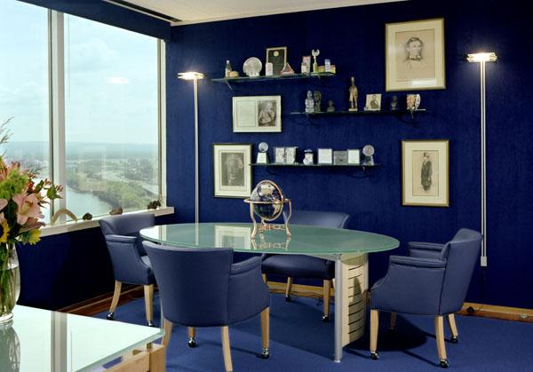 Блакитний в інтер'єрі: монохромні кімнати