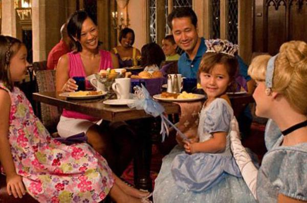 Завтрак в Cinderella's Castle в Disney World