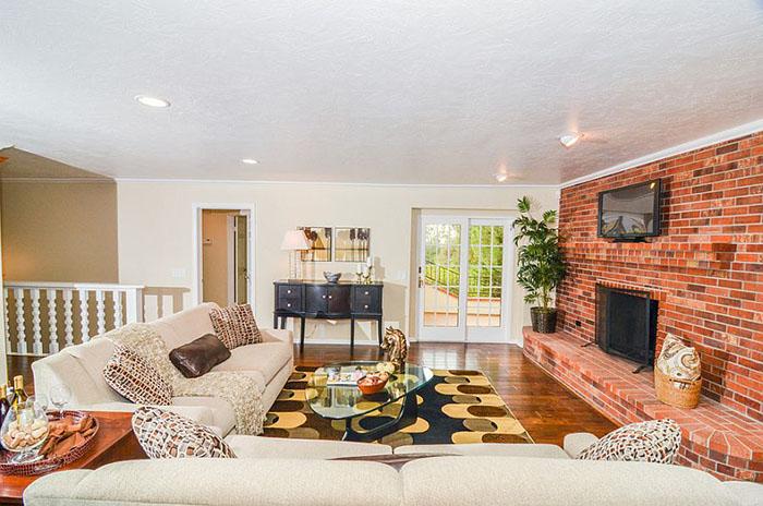 Интерьер гостиной от Pro Staged Homes
