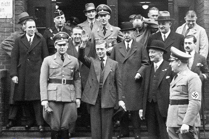 Нацисты в королевской семье