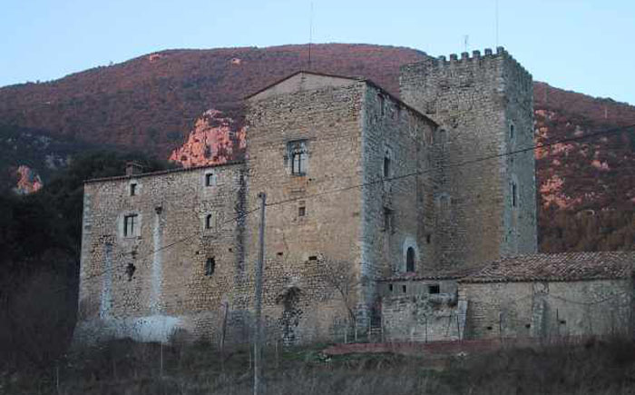 Замок на продажу в Испании