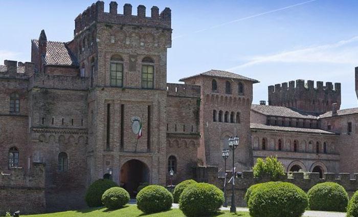Замок на продажу в Италии