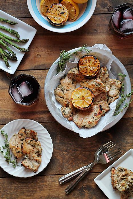 Курица-гриль в соусе из прованских трав с лимоном