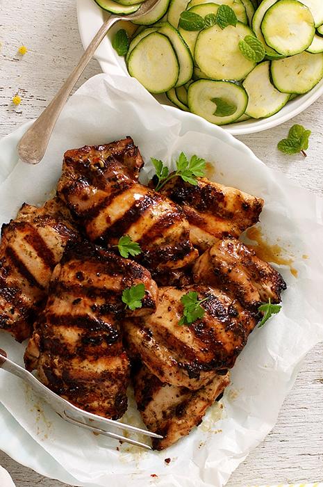 Курица-гриль в итальянском маринаде с цуккини