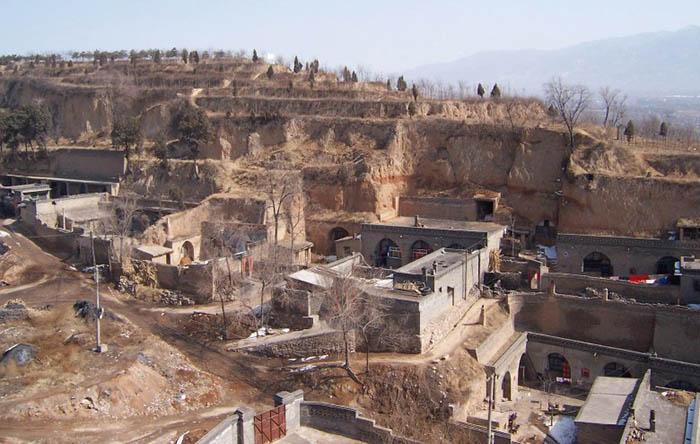 Миллионы китайцев живут в пещерах