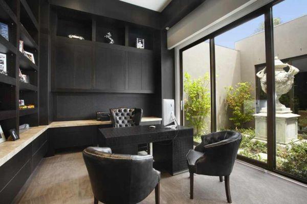 Рабочий кабинет в чёрном цвете