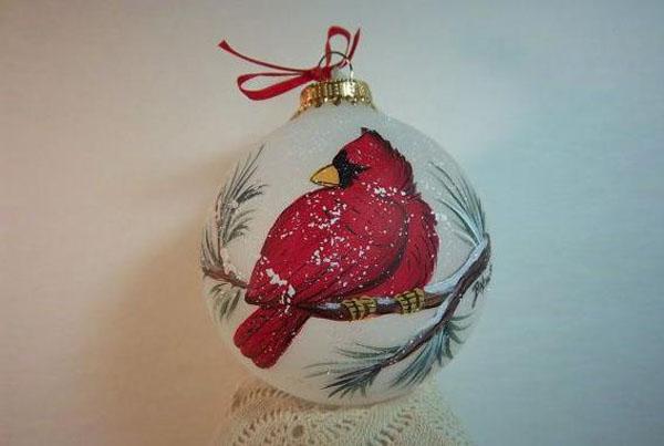 Красный кардинал в зимнем пейзаже