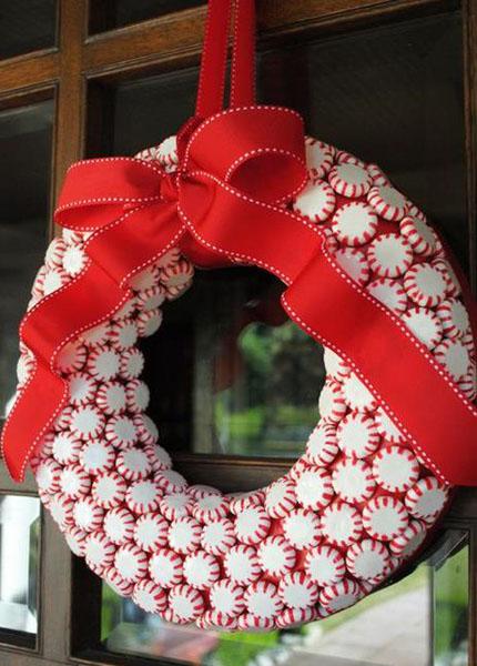 Рождественский венок из конфет