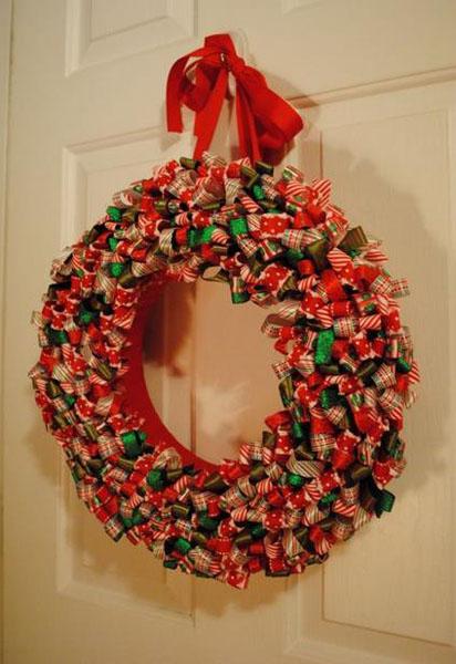 Рождественский венок из ленточек