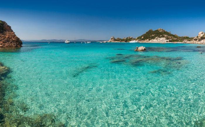 Кала Корсара на архипелаге Маддалена – Сардиния, Италия