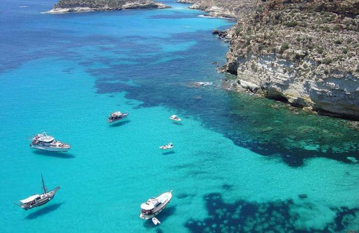 Пляж  Исола дей Конигли – Лампедуза, Италия