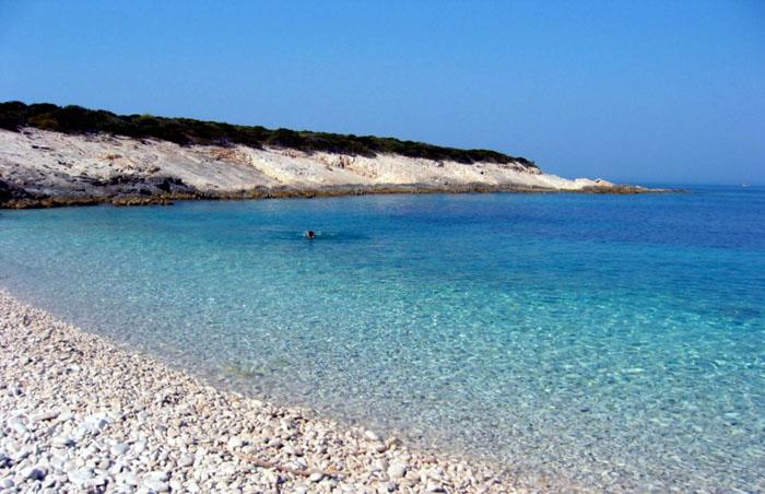 Пляж Били Бочи, остров Происд (Корчула) -  Хорватия