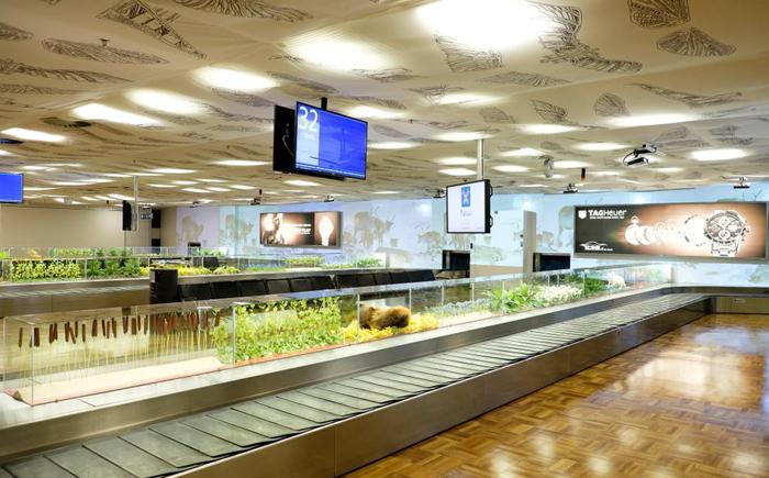 [عکس: Coolest-Airports-8.jpg]