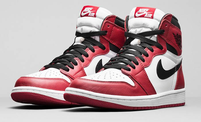 Модель Air Jordan 1 Retro High OG Chicago