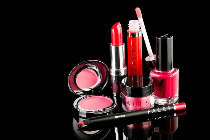 10 самых опасных токсинов в косметических средствах