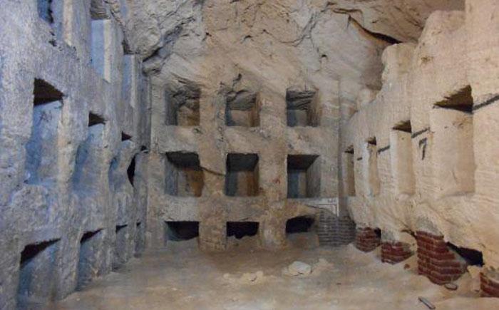 Катакомбы Ком Аш-Шукафа, Египет