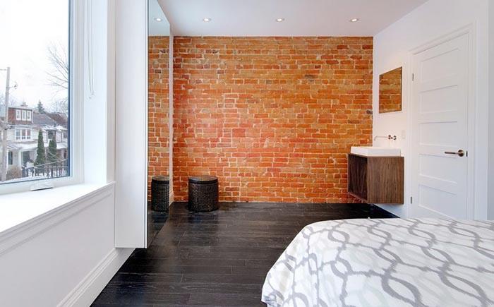 Умывальник в спальне в Торонто