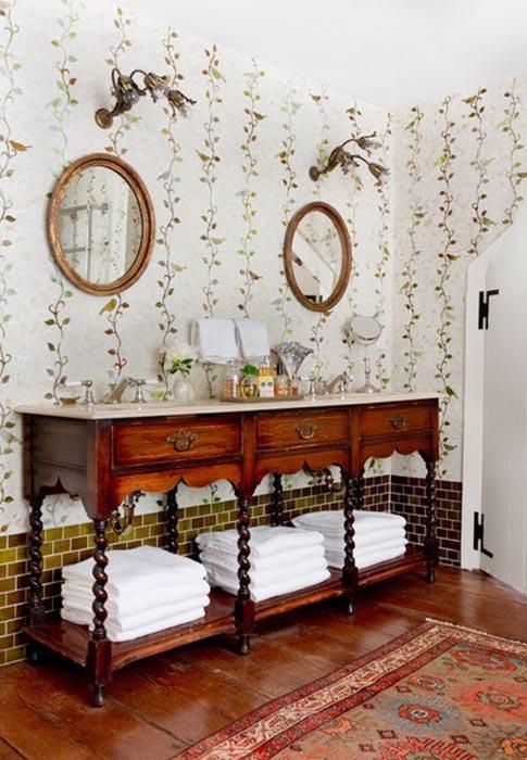 Изумительная плитка на стене в ванной комнате загородного дома