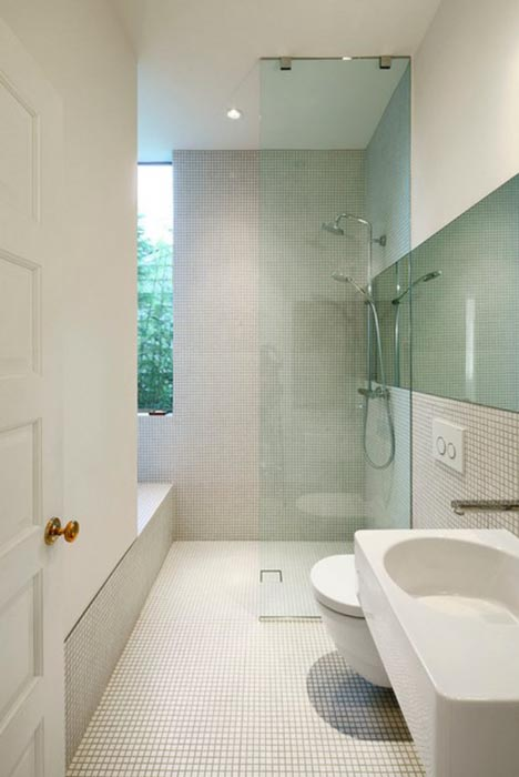 Минимализм и мозаика в ванной комнате из Сиэтла