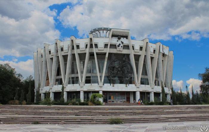 Заброшенный Советский цирк (Молдова)