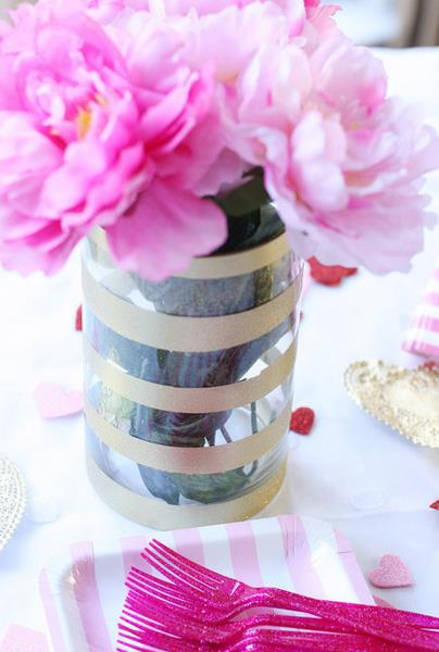Полосатая ваза от For Rent