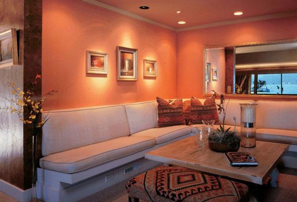 Интерьер персикового цвета