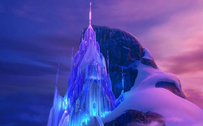 Ледяной дворец Эльзы из мультфильма «Замороженный»