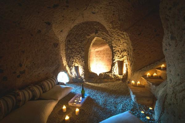Комната отдыха в пещере